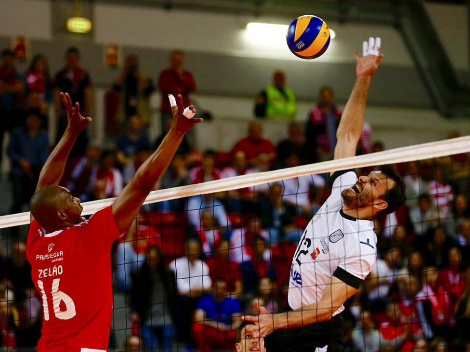 Voleibol: 18.ª do Benfica, Fonte do Bastardo sofre para vencer