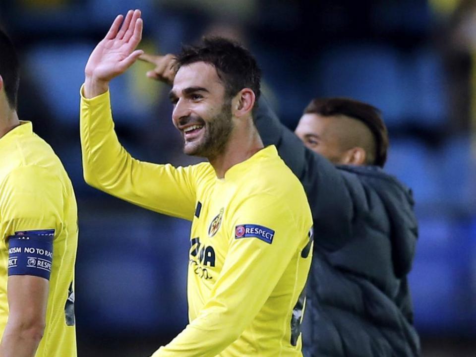 FC Porto: Villarreal quer Adrián López outra vez