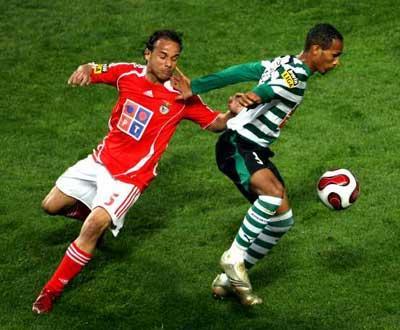 Liedson: perto do 100º golo, com a «ajuda» do Benfica