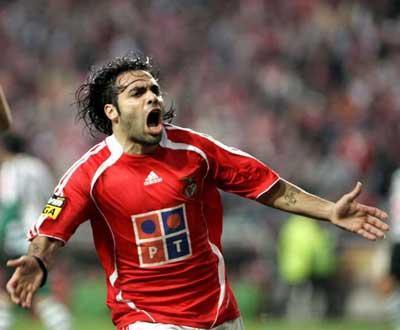 Miccoli lembra Benfica mas quer ser «bandeira» do Palermo