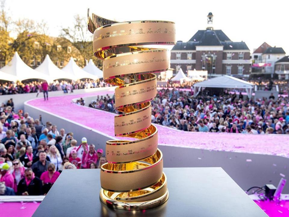 Giro: Ackermann bate Gaviria e vence nova chegada ao sprint