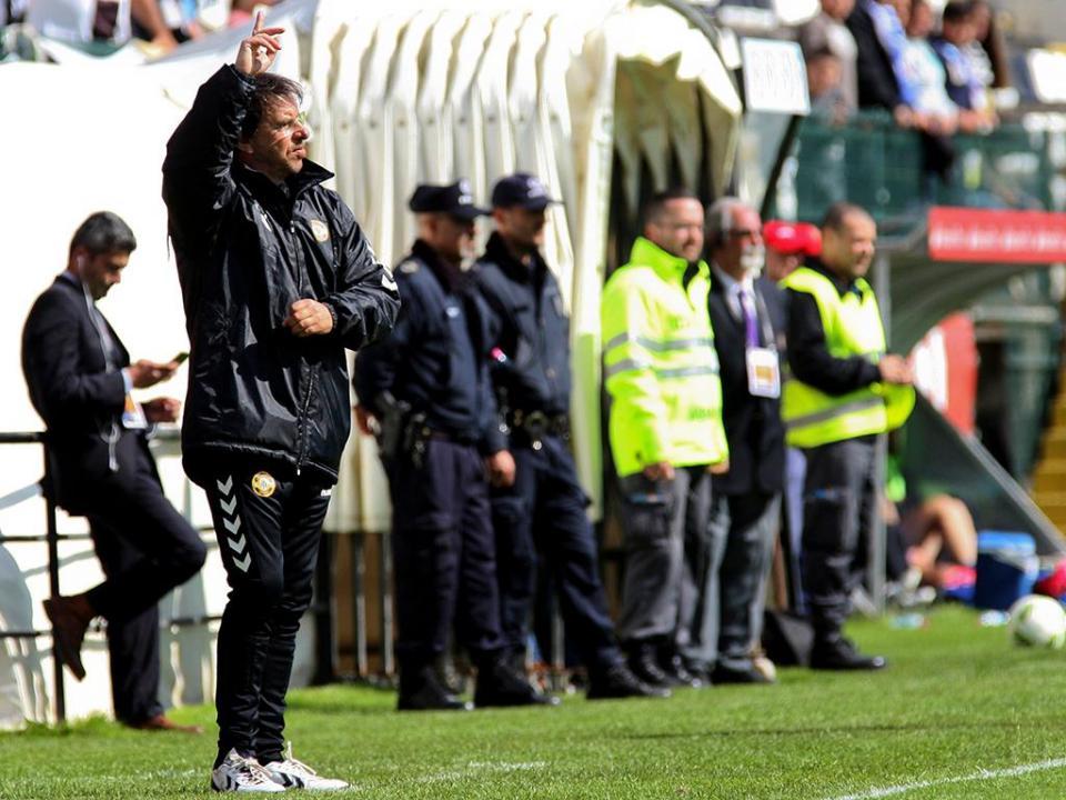 Nacional empata com o Fulham sem golos