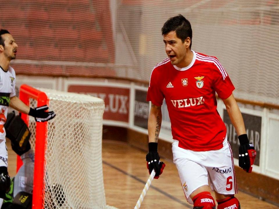 Hóquei em patins: Nicolía renova com o Benfica