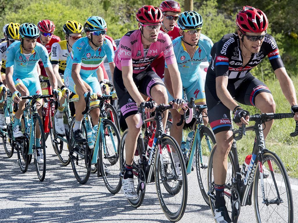 Giro: Gaviria vence pelo segundo dia consecutivo, Dumoulin conserva liderança