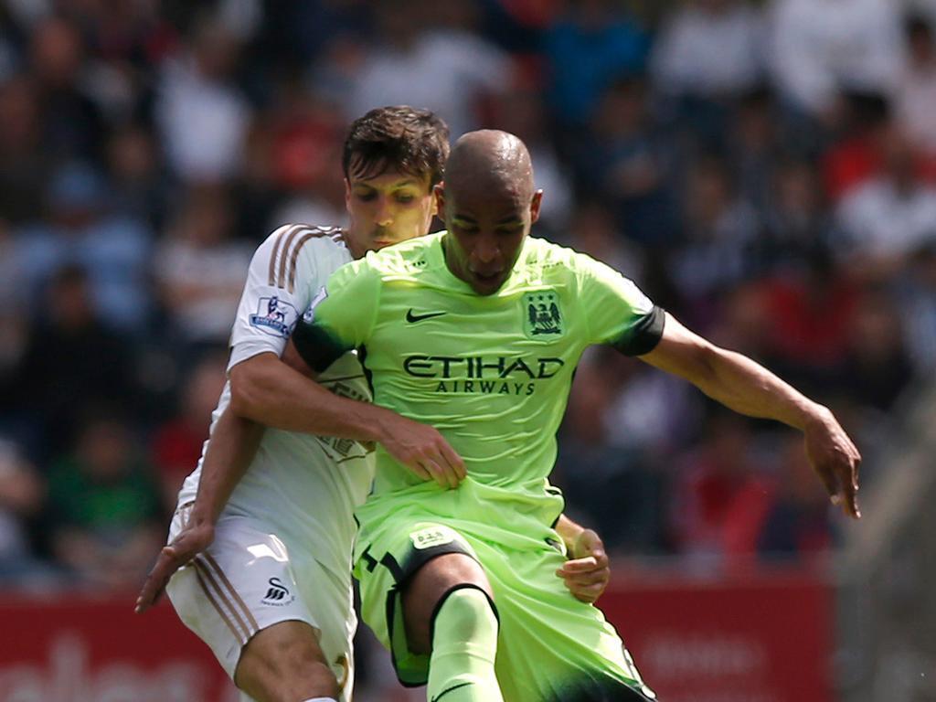 Fernando fecha com Galatasaray e aumenta limpa de Guardiola no Man City