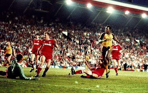 Anatomia de um golo: Michael Thomas, Liverpool-Arsenal, 0-2 (1989)