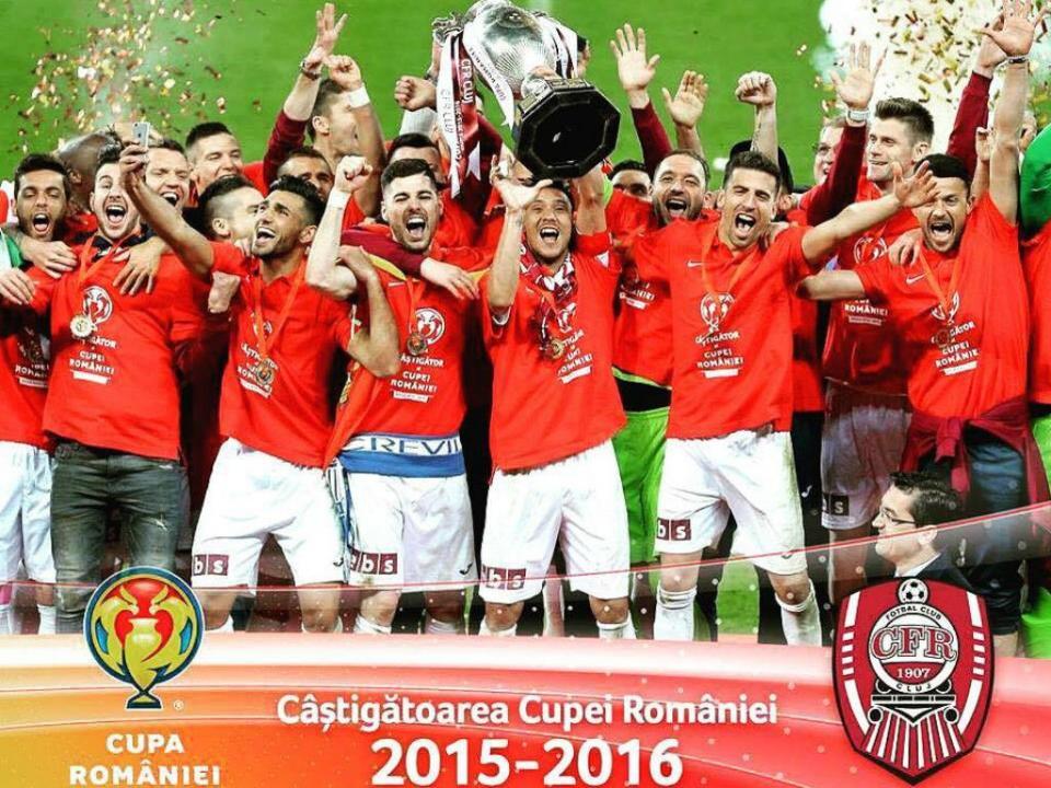 Roménia: Tiago Lopes acaba expulso, mas Cluj vence líder Steaua