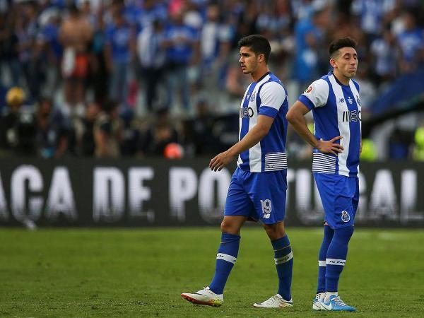 TP: FC Porto-Sp. Braga, 2-2, 2-4 gp (destaques dos dragões)
