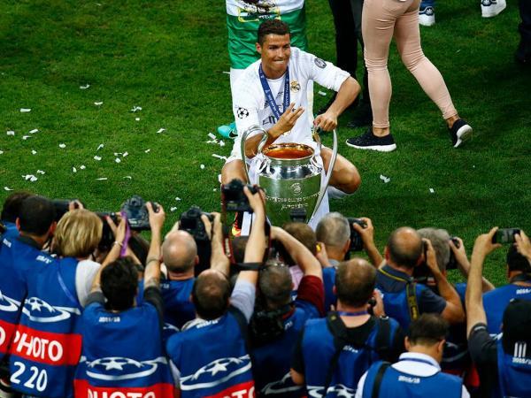CR7 entre os eleitos para a equipa de sonho da «Champions»