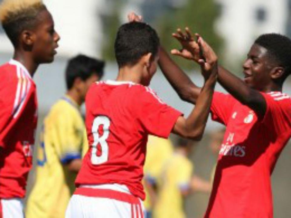 Iniciados: Benfica vence FC Porto e continua líder isolado