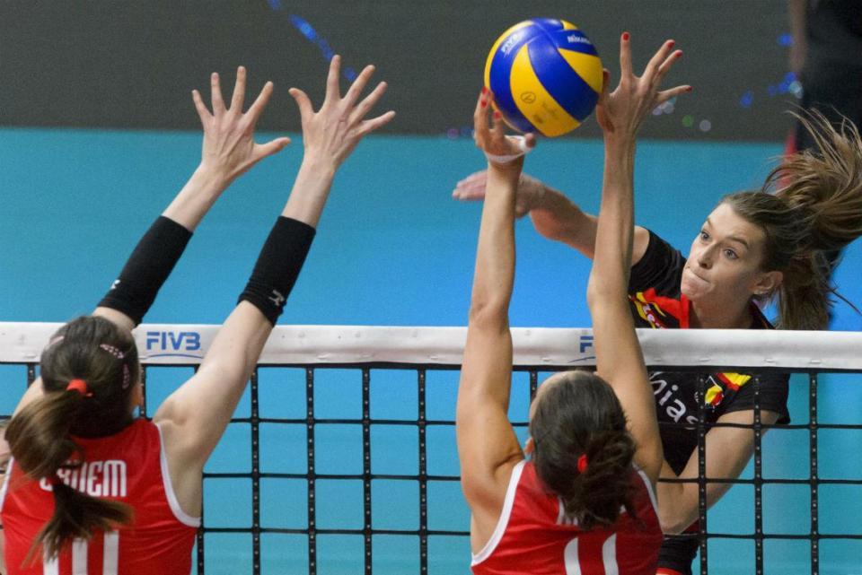 Voleibol: jogadora da seleção desmaia após jogo