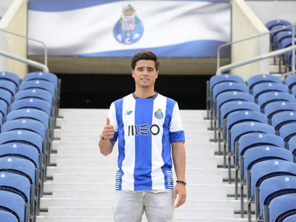 OFICIAL: João Carlos Teixeira no FC Porto até 2020