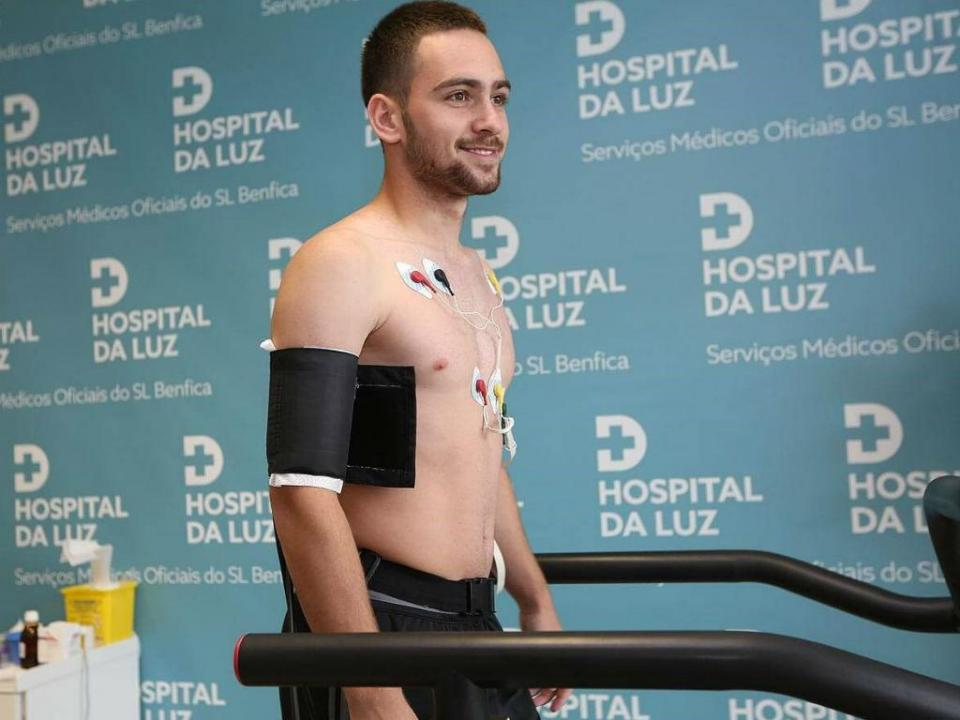 Mihajlovic: «Jovic e Zivkovic têm qualidade»