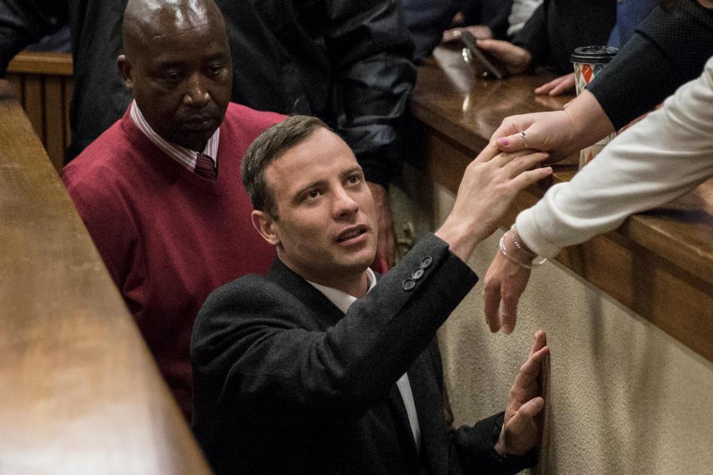 Pena de Oscar Pistorius passou de seis anos para mais de treze