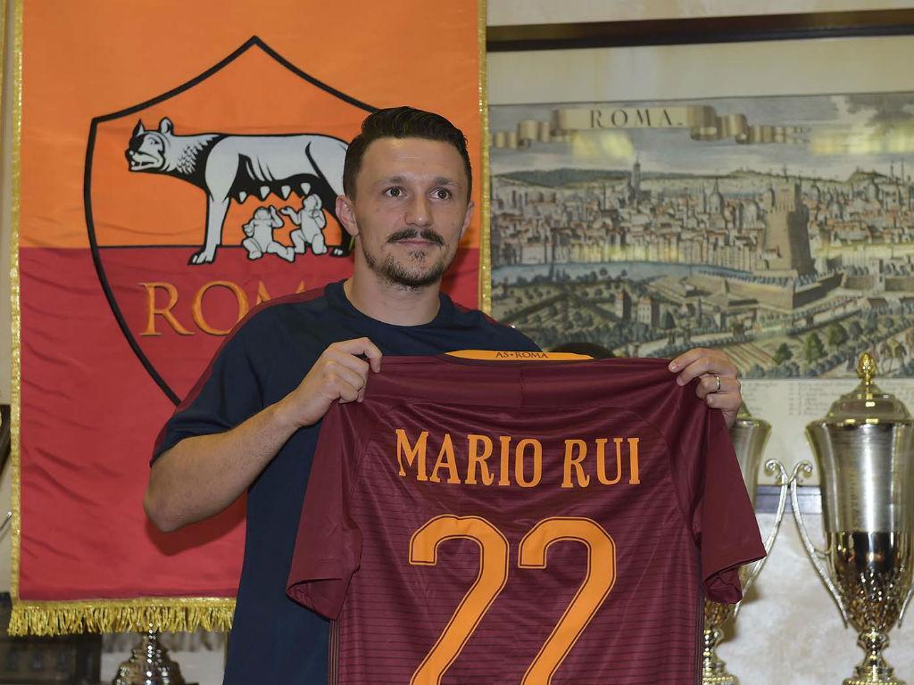 Mário Rui negociado com o Nápoles, diz agente