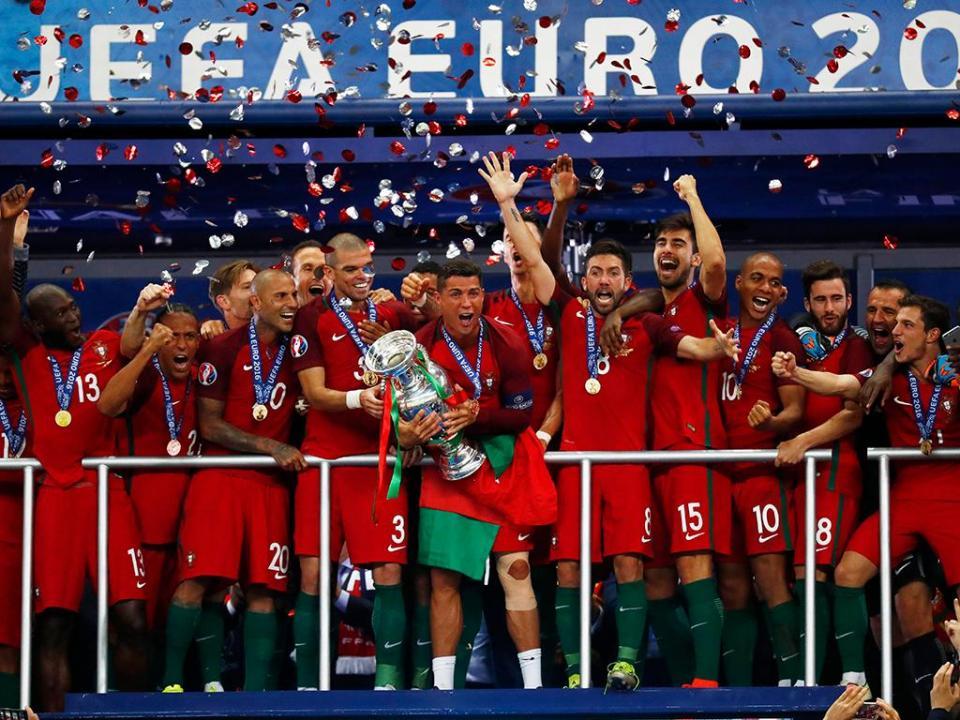 São estes os portugueses campeões da Europa!  6e5d4bccc9564