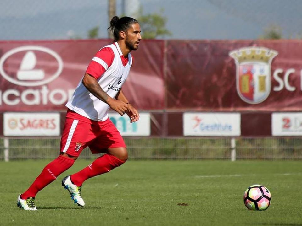 Sp. Braga: Tiago Gomes renova contrato e integra plantel
