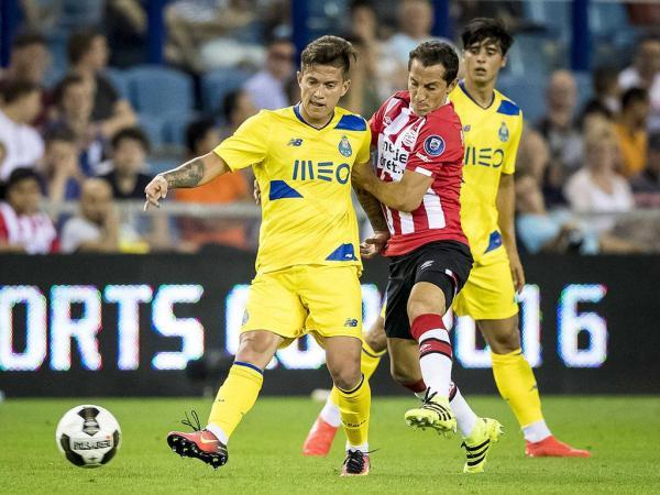 PSV-FC Porto, 3-0 (crónica)