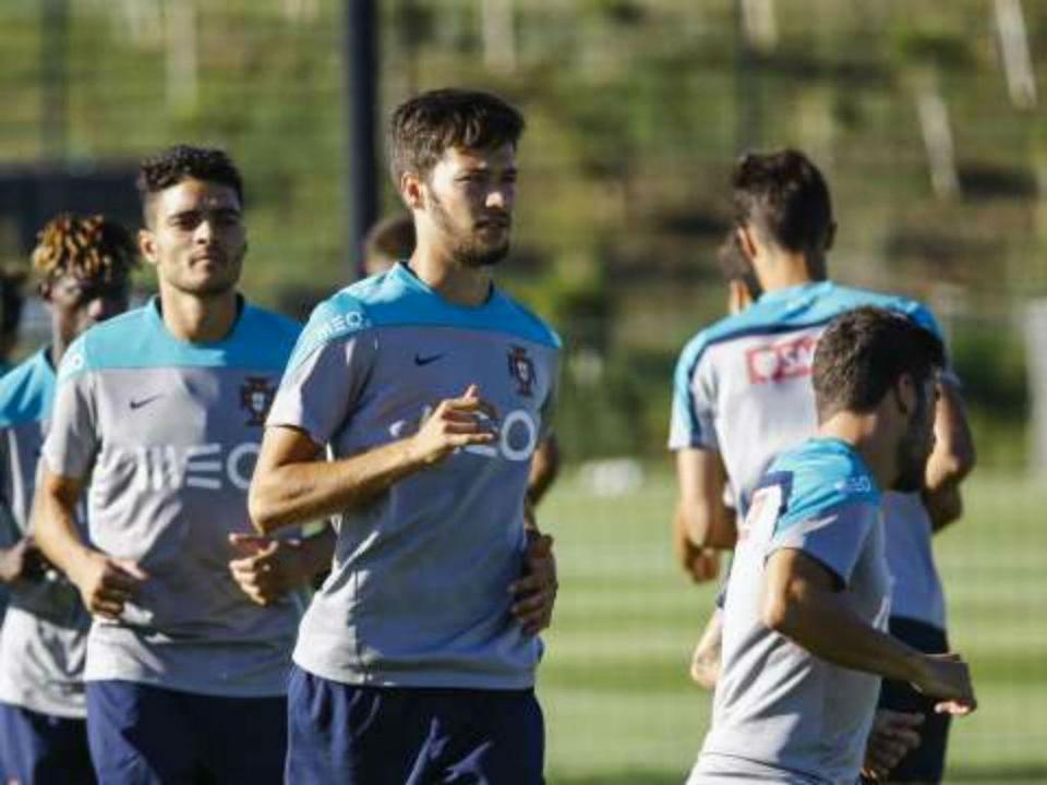 Seleção nacional de futebol chega esta sexta-feira à Aldeia Olímpica