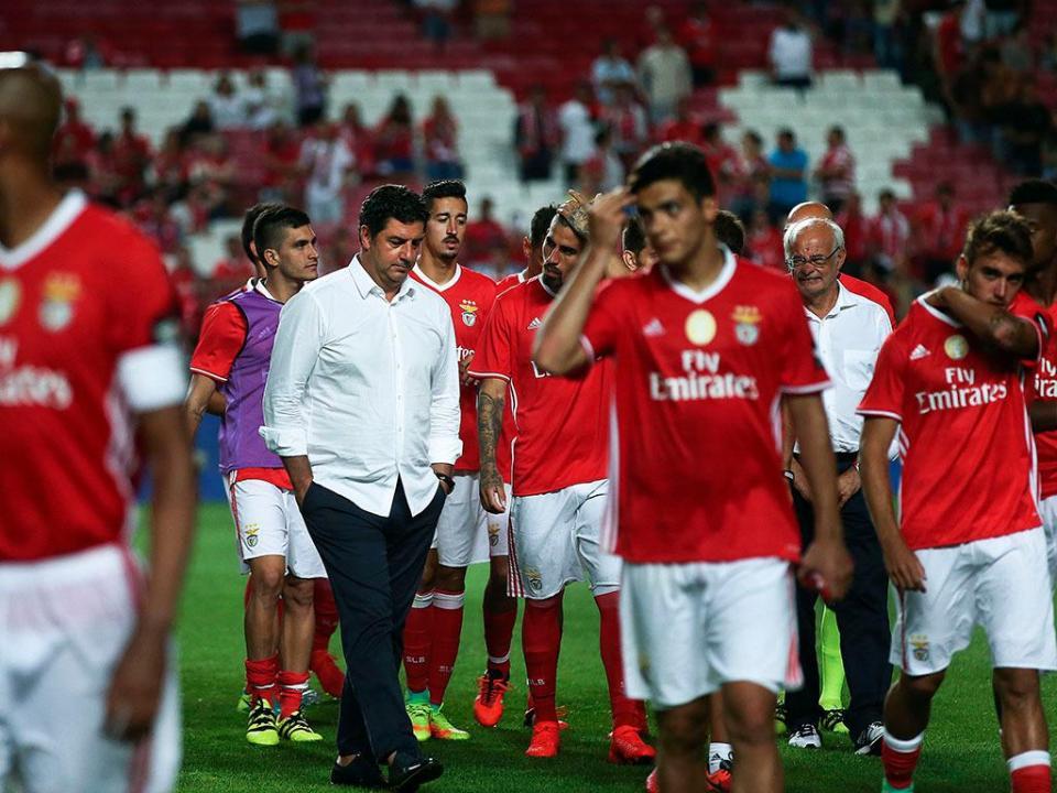 Benfica viaja este sábado à tarde para Lyon