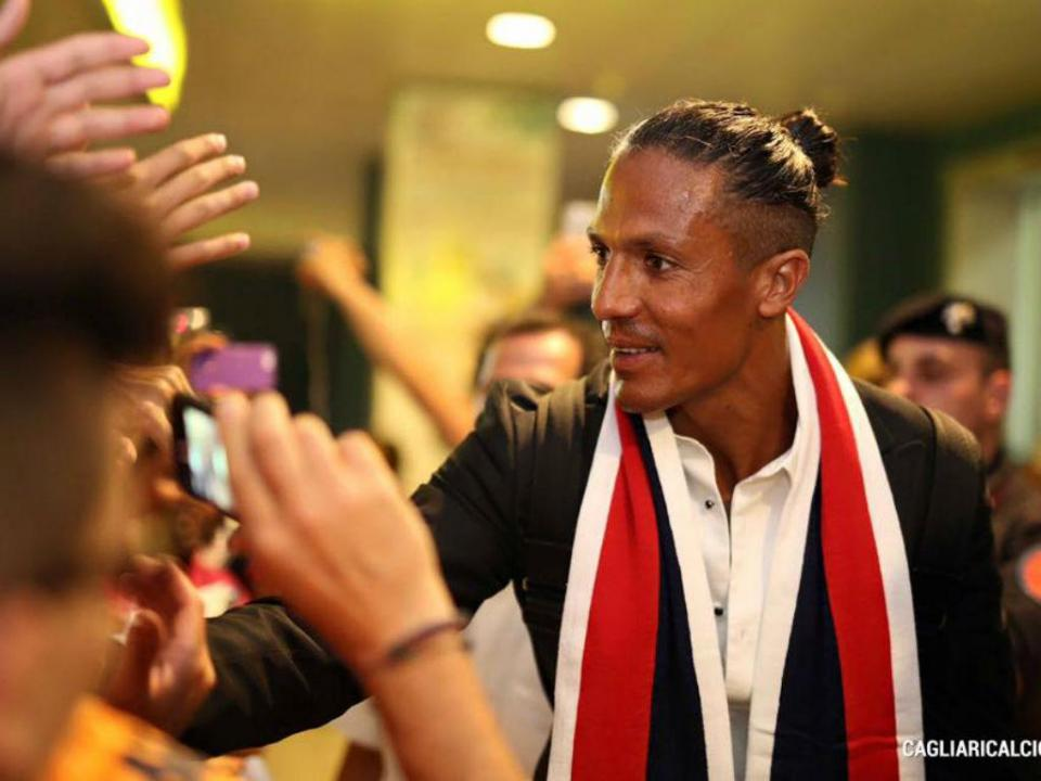 Cagliari anuncia saída de Bruno Alves