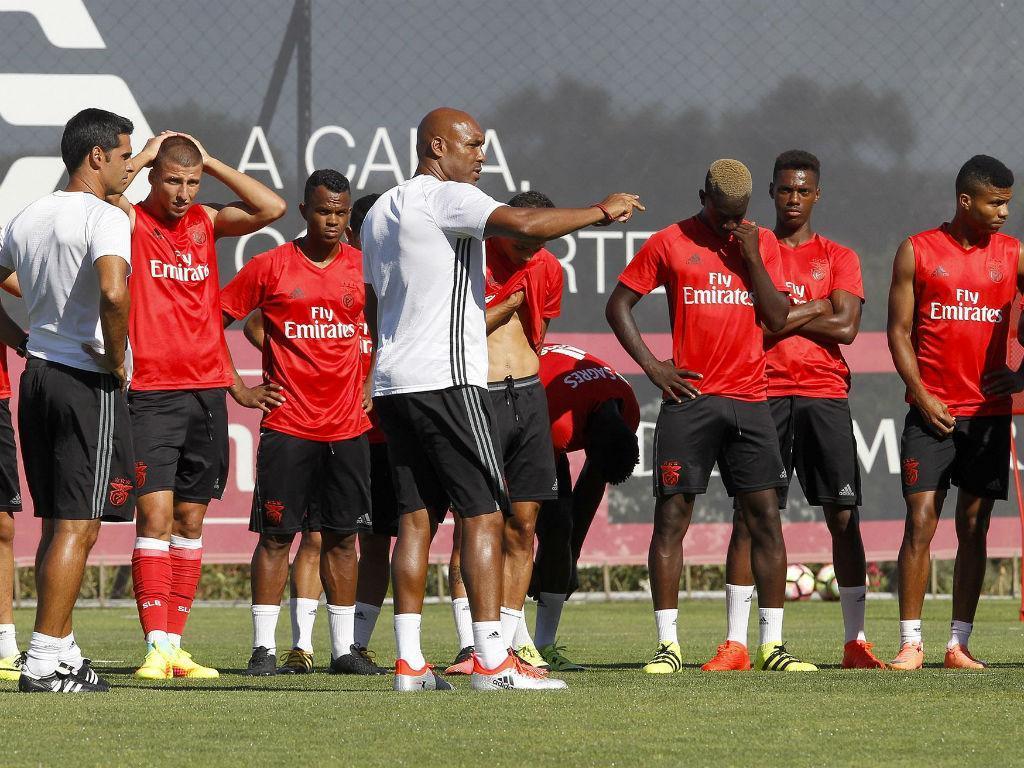 Benfica: Hélder Cristóvão assume saída