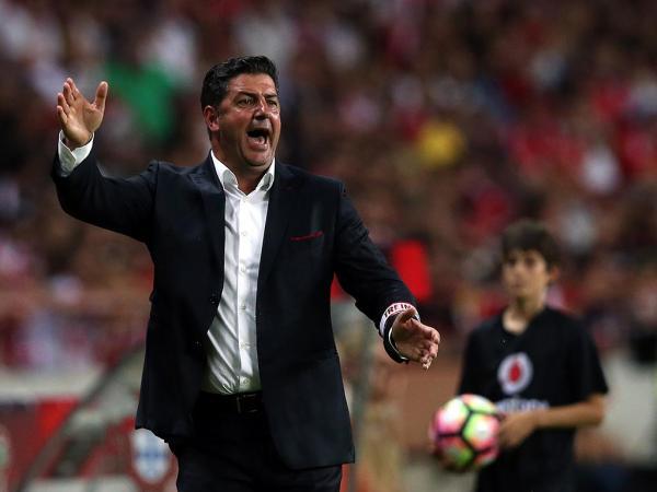 Vitória e a lista de Fernando Santos sem jogadores do Benfica