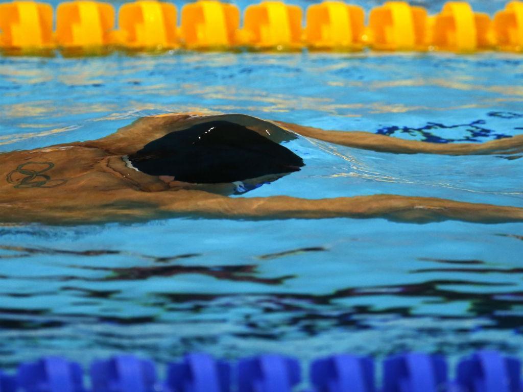 Natação: Gabriel Lopes bate recorde nacional dos 100m costas