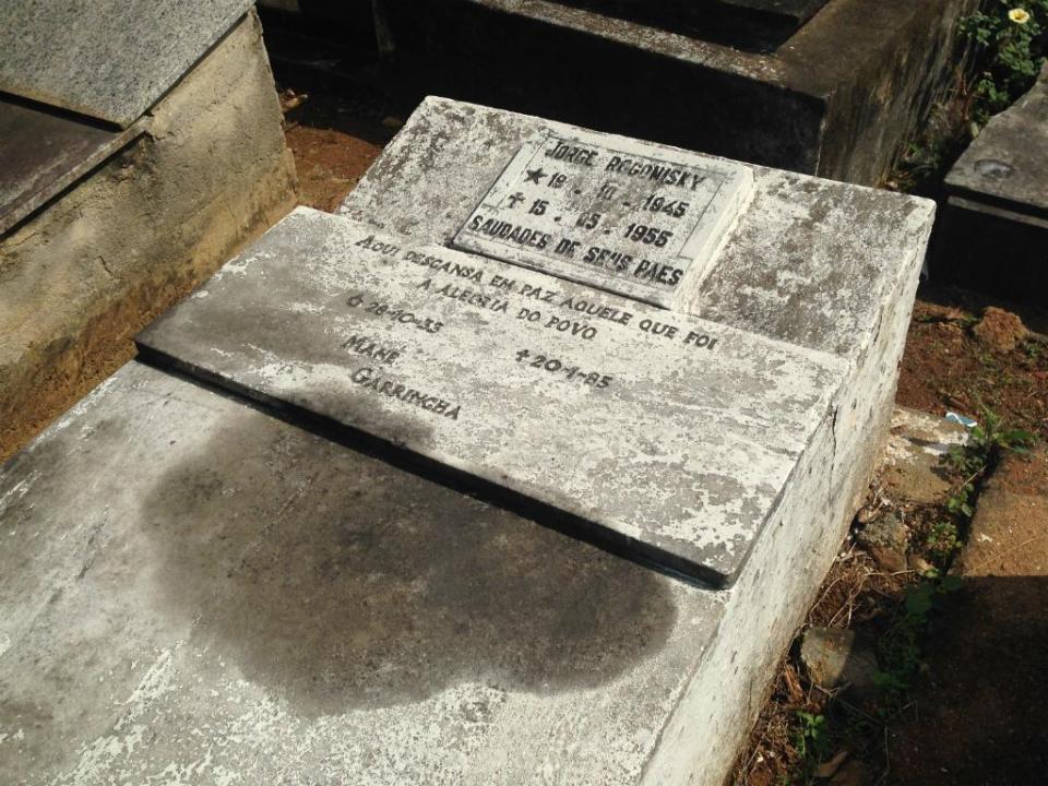 Corpo de Garrincha desapareceu do cemitério
