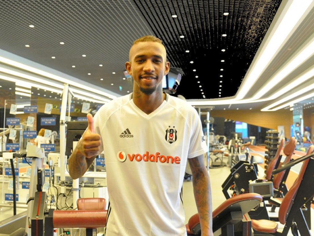Talisca poderá voltar ao Benfica, Besiktas apresenta queixa na FIFA