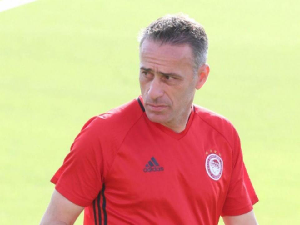 OFICIAL: Paulo Bento deixa o Olympiakos