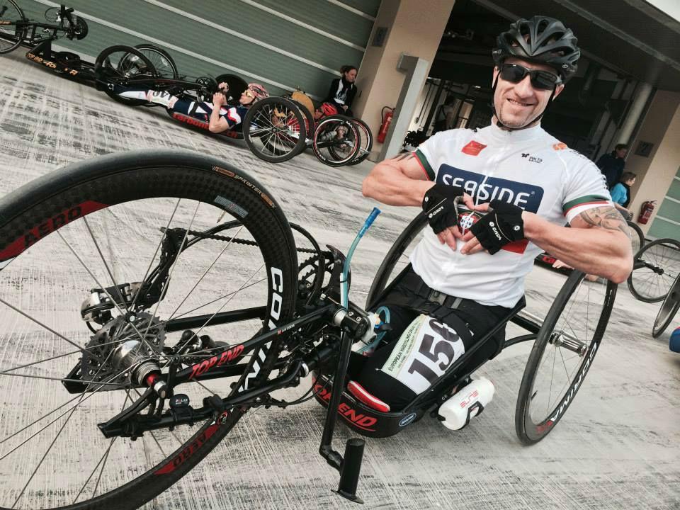 87c45f54757 Luís Costa  a bicicleta ergueu o que a mota derrubou