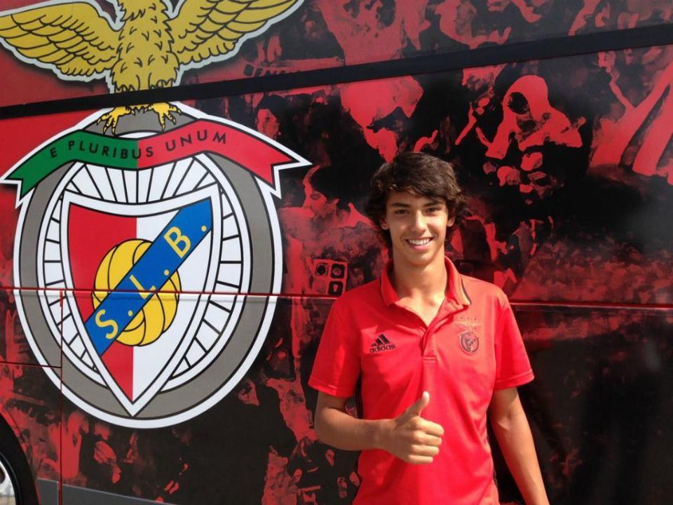 João Félix desce aos juniores e dá vitória ao Benfica no Olival