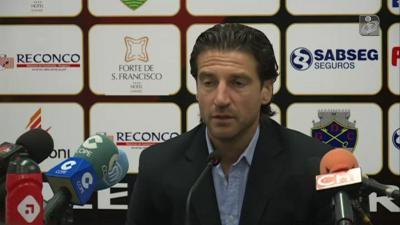 Jorge Simão desiludido com derrota frente ao Benfica