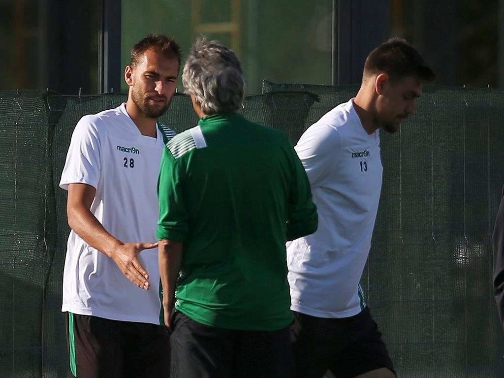 Mathieu autorizado pelo Barelona a treinar no Sporting
