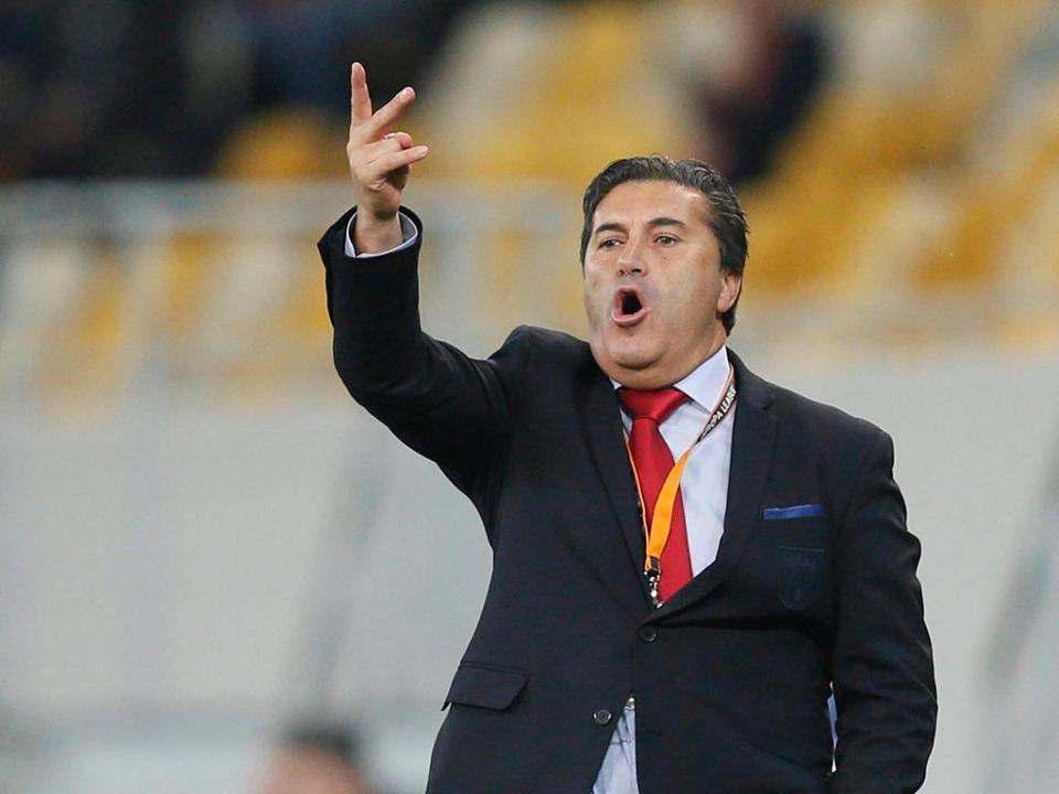 V. Guimarães: José Peseiro assume comando técnico