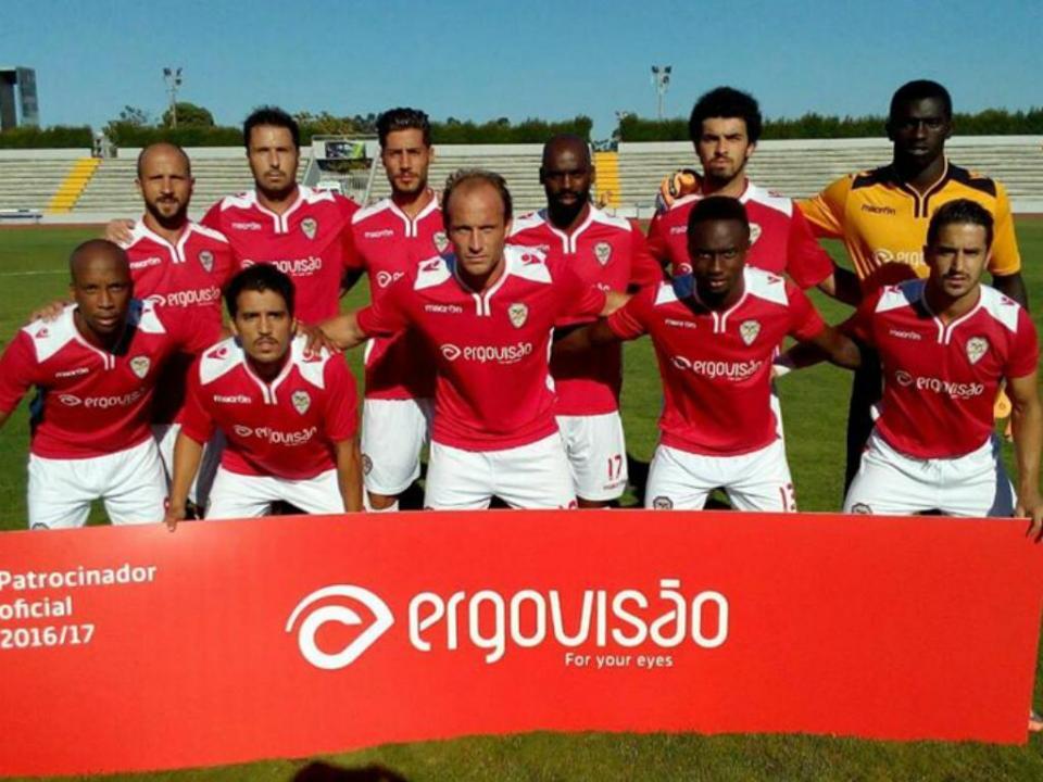 Salgueiros faz 107 anos e volta a jogar na cidade do Porto