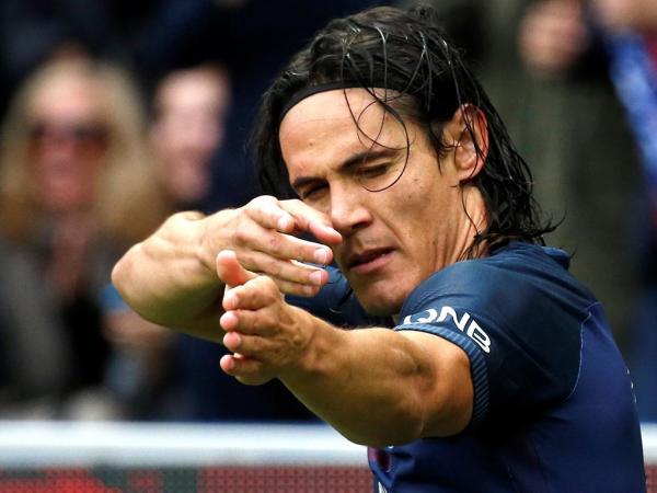 França: Cavani bisa e PSG volta aos triunfos