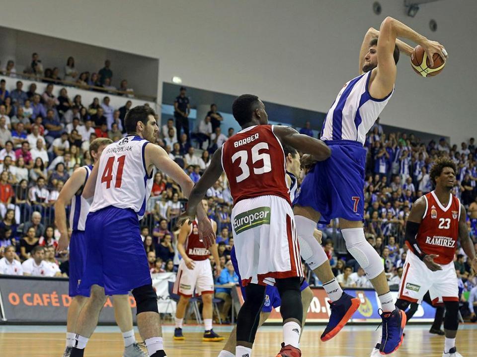 Basquetebol: FC Porto volta a perder na FIBA Europe Cup