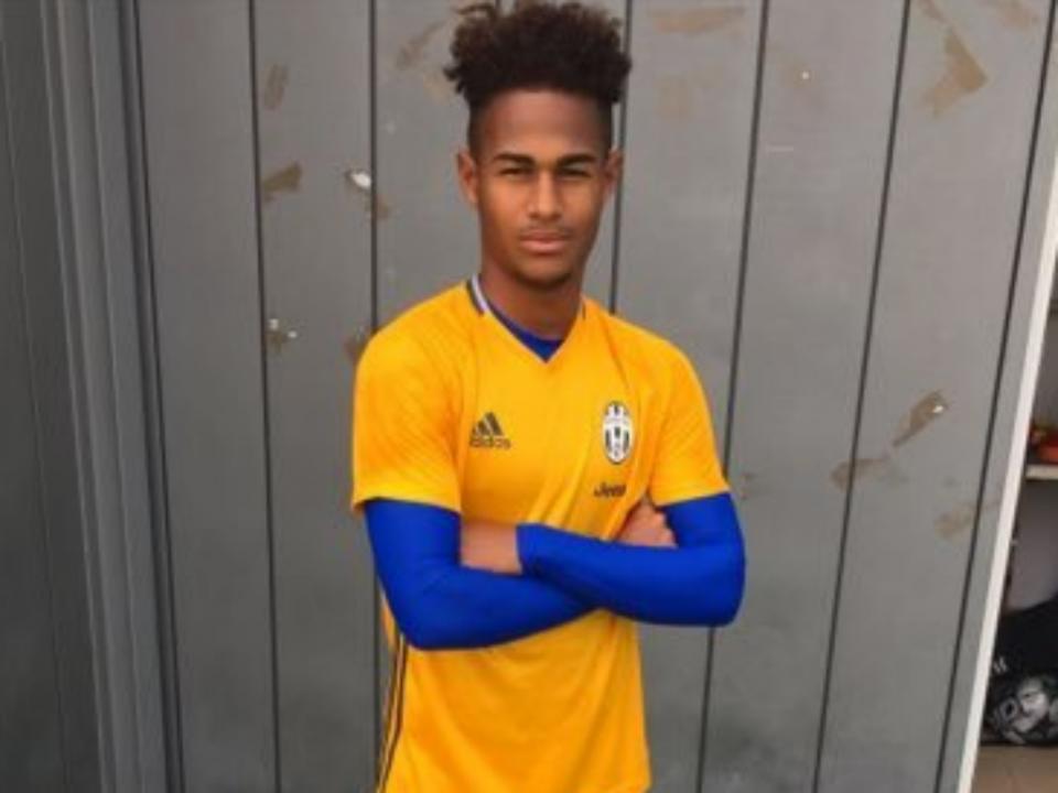 Avançado formado no Benfica troca Juventus pelo Valência