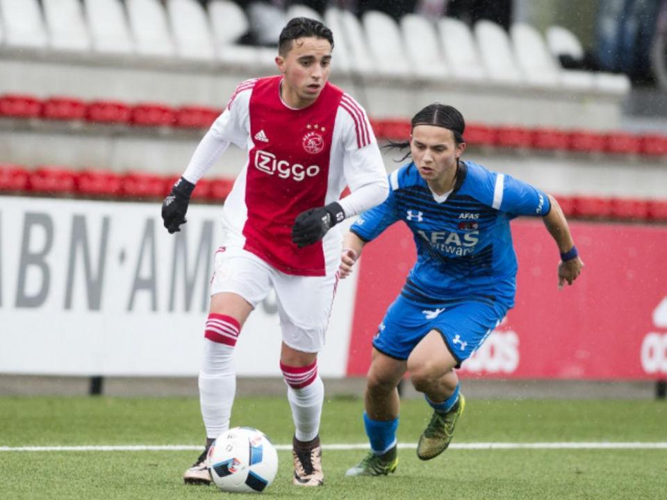 VÍDEO: emocionante tributo do Ajax a Nouri pelo 21.º aniversário