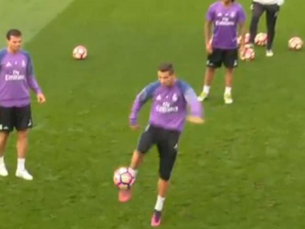 Kroos elogia Zidane após renovar com o Real Madrid