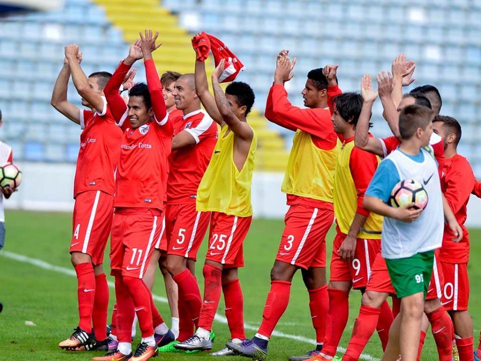 II Liga: Santa Clara vence em Barcelos e segura liderança