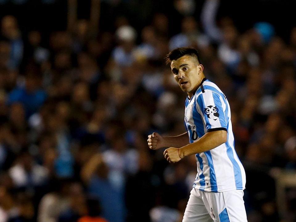 Sporting oficializa Marcos Acuña