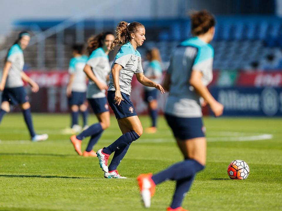 Seleção feminina perde e fica arredada da fase final do Mundial 2019