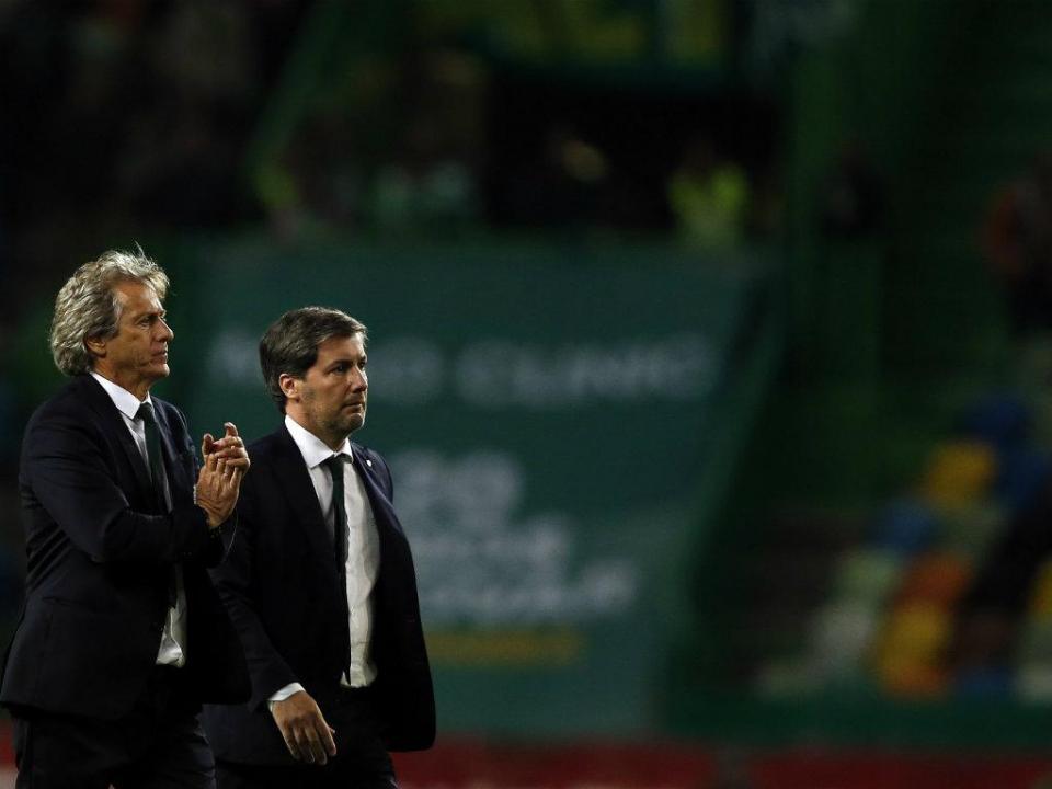 Bruno de Carvalho convoca Jorge Jesus e jogadores para reunião