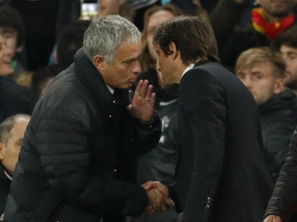 Manchester United vence Chelsea e aumenta emoção na Premier League