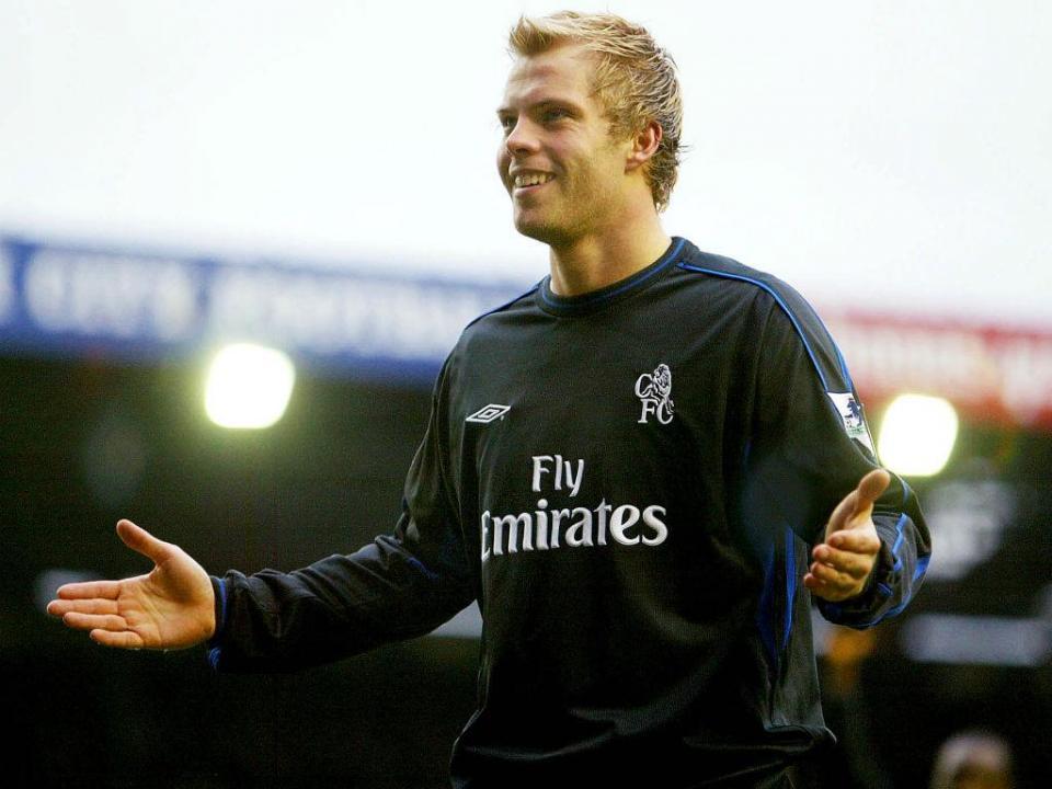 Filho de lenda do futebol islandês assina pelo Real Madrid