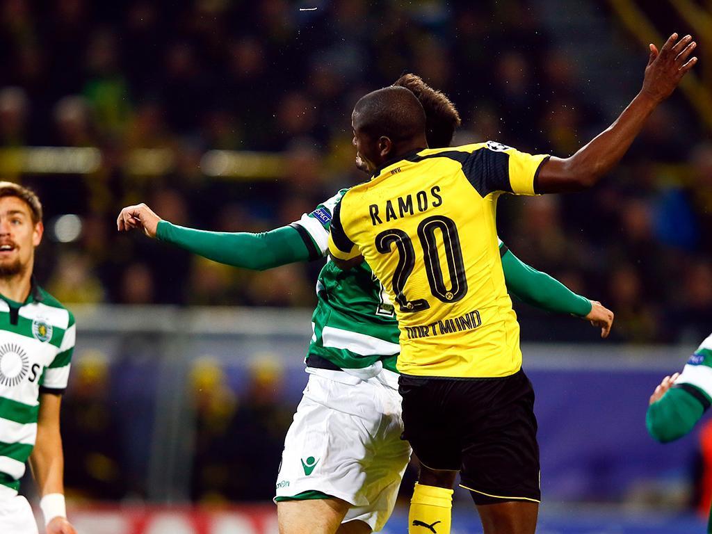 Ramos ganha nas alturas e faz o golo (Foto: Reuters)
