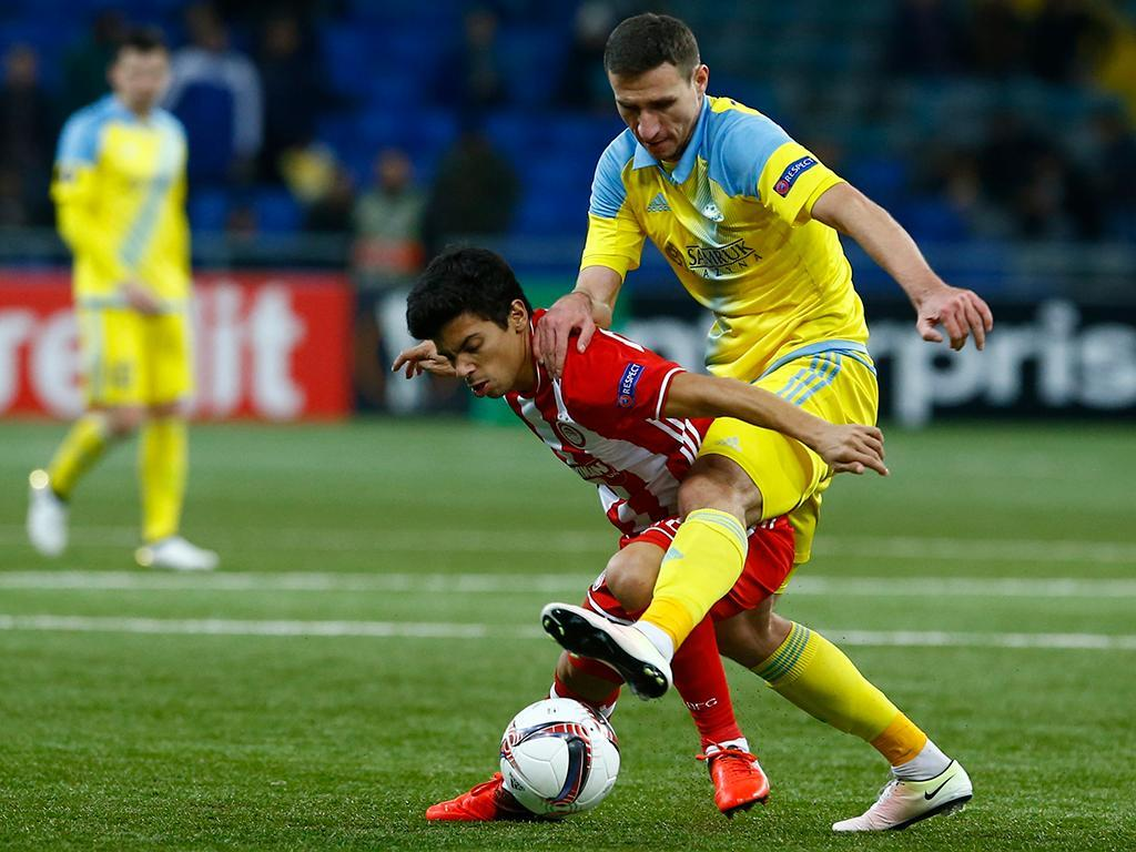 Olympiakos com Martins e Figueiras perde dérbi, mas mantém vantagem